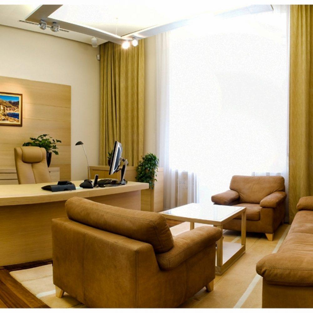 O.. 213-215 office (3)
