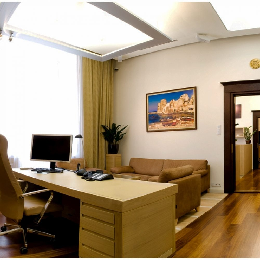O.. 213-215 office (4)